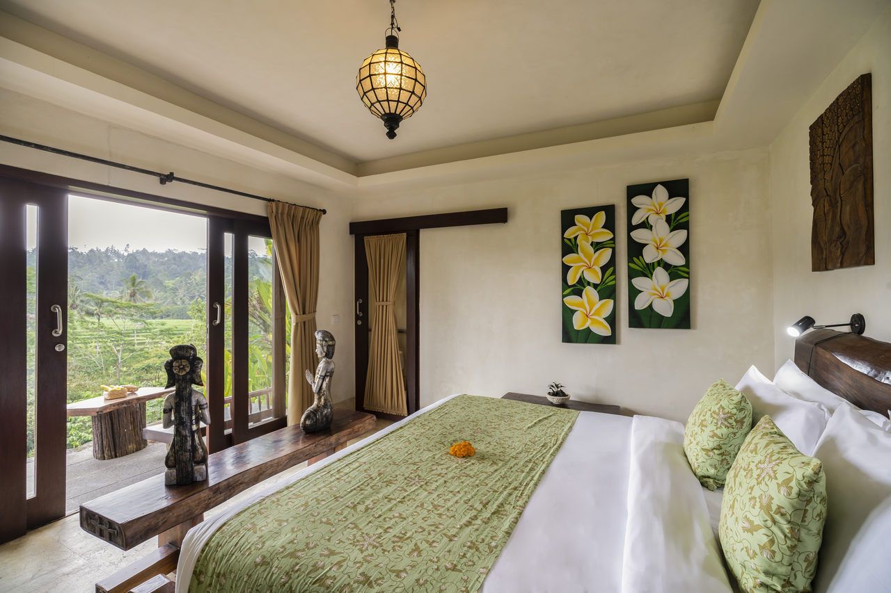 Dewi Drupadi - One Bedroom Suite Rice Field View (Lower Level)