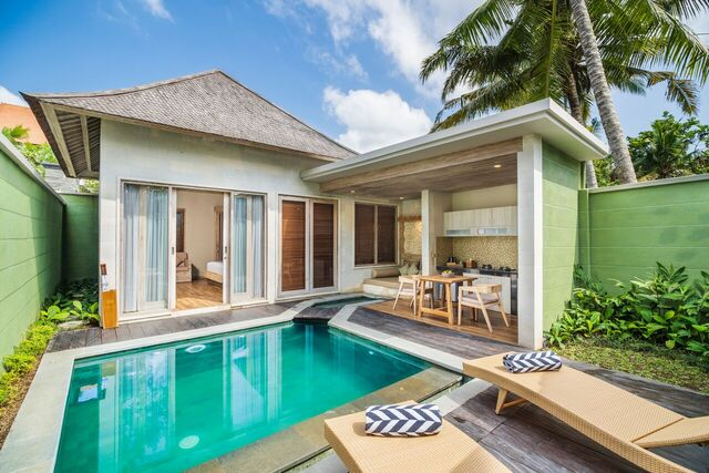 Suite room with Free Upgrade  to Pool Villa